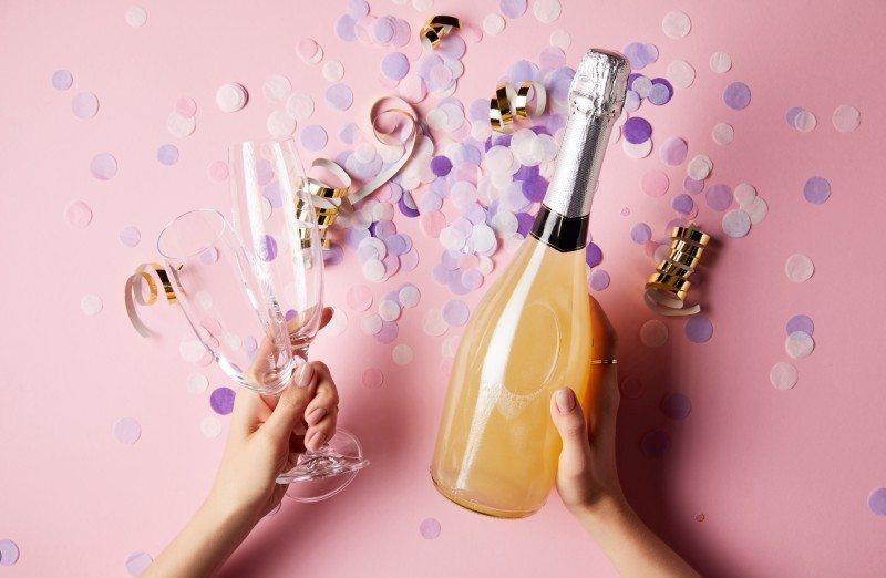 champagne_glasses_celebrate